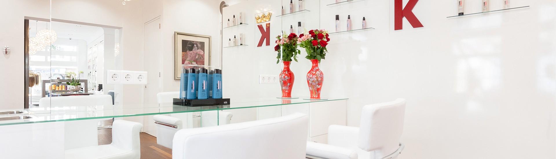 Kbal-hairstylist-Kapsalon-Amsterdam-Kapperstoel-en-spiegels