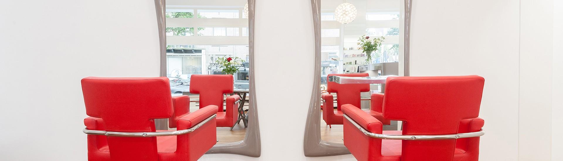 Kbal-hairstylist-Kapsalon-Amsterdam-kapper-stoelen-spiegel
